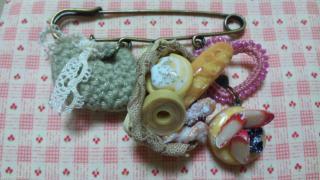 パンと洋菓子のかぶとピン 1-1