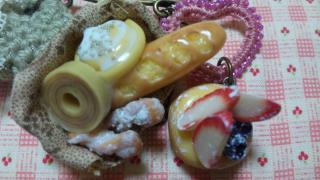 パンと洋菓子のかぶとピン 1-3
