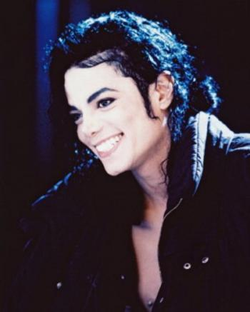 michael-jackson-beautiful-smile_1_convert_20091207232549.jpg