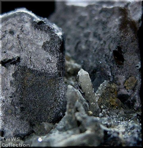 方鉛鉱&水晶_ロシア1アップ