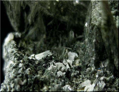 水晶_ガネーシュヒマール8母岩