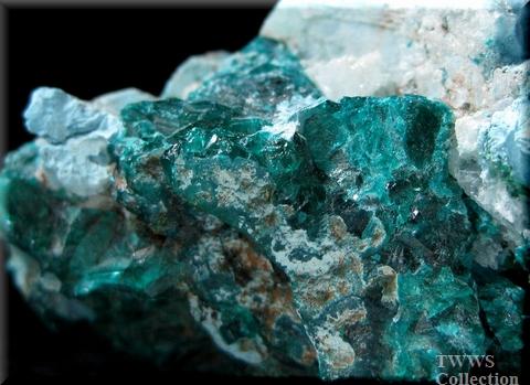 プランヘ石&翠銅鉱&方解石_コンゴ1翠銅鉱1