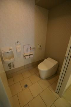 玄関横トイレ