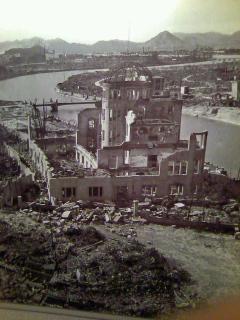 №21 21.11.14 広島資料館 原爆落下後