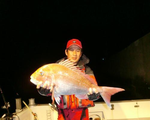 本日夜釣り 浮き流しで真鯛ゲット