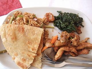 初ケニア料理_420ksh