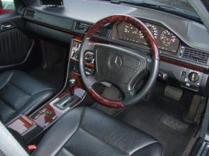 E320運転席