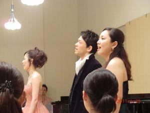 第二回うたの木コンサートにて歌う3人