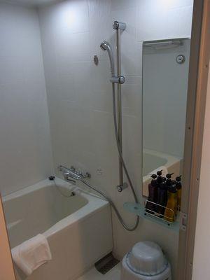 チサングランド長崎のツインのバスルーム