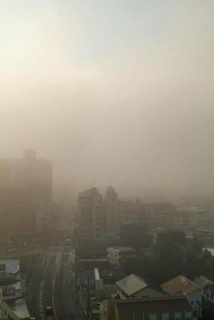 霧の街かど