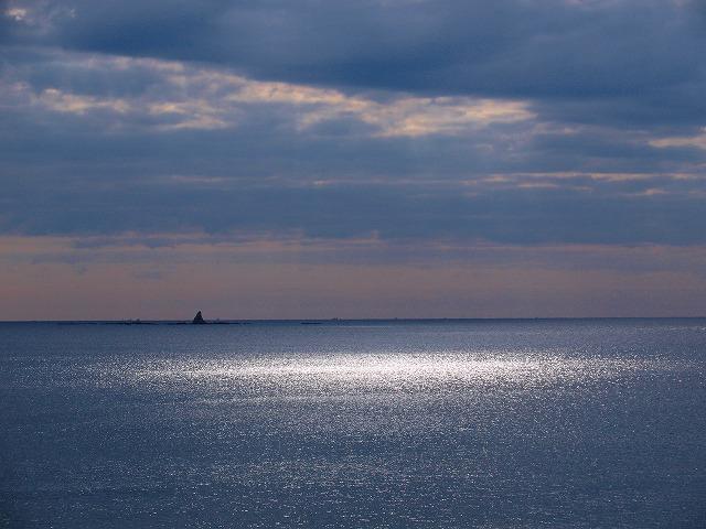 s-iyppPC139462光る海2