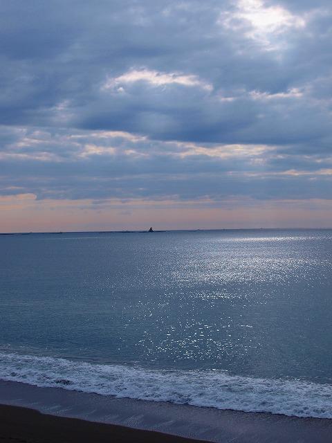 s-iyppPC139472光る海3
