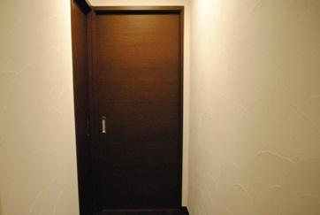 ストックルーム入り口