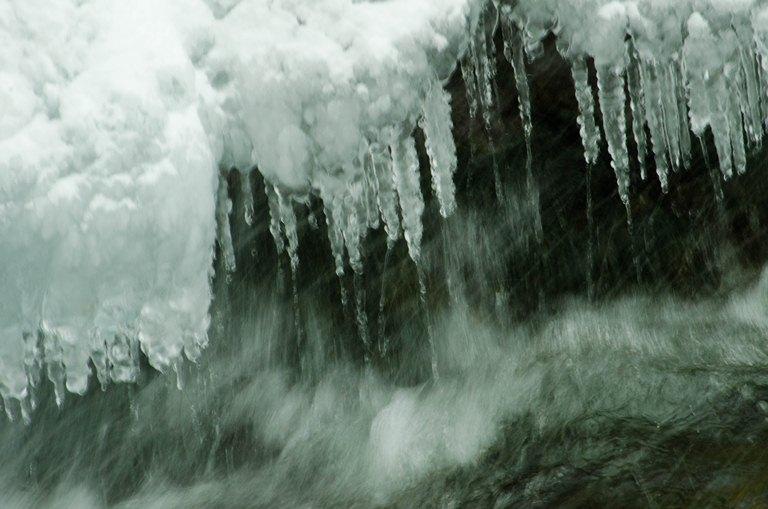 20120128-飛沫氷1
