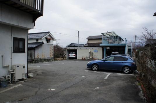 茶居夢 駐車場