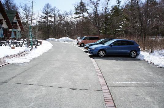 ルミエール 駐車場