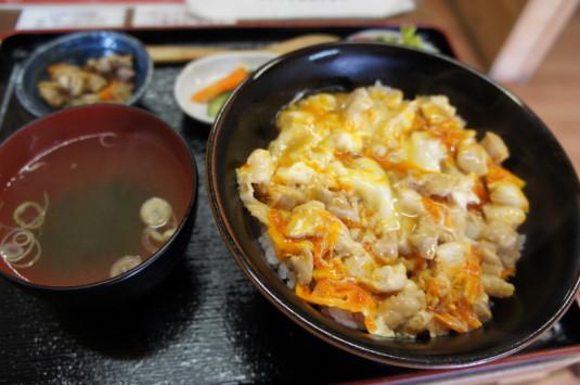 甲州地鶏 中村農場 親子丼
