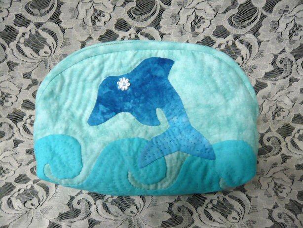 イルカのポーチ1
