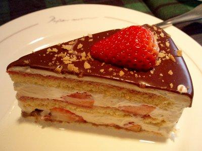 ストロベリーショートケーキ チョコレートがけ@PAPER MOON(山中湖)