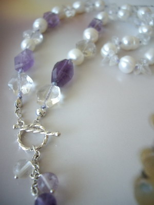 Lilac front toggle necklace