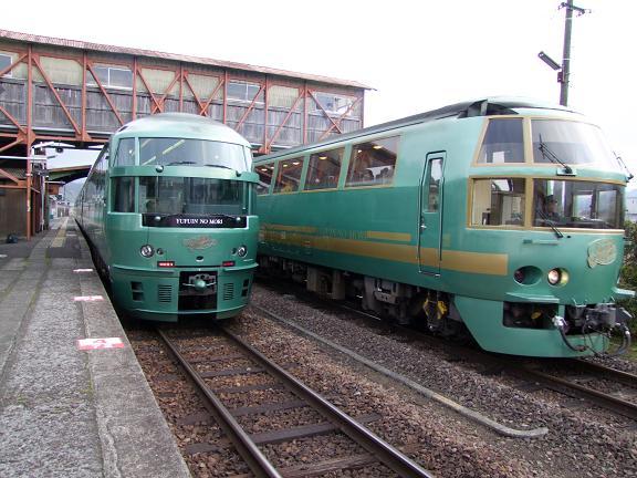 キハ71と72系の並び