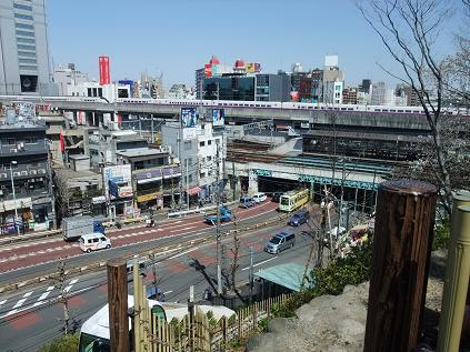 東北新幹線も見えます