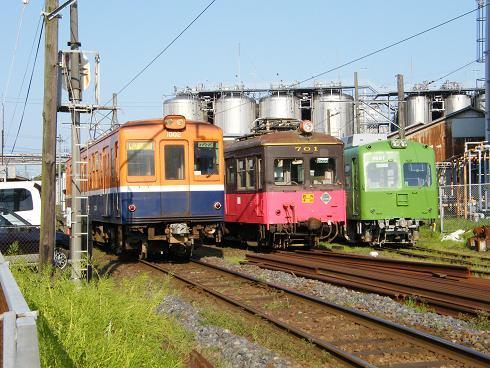 3形式並んだ中ノ町駅