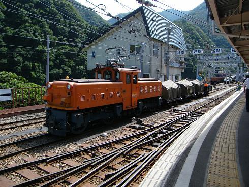 ED10の貨物列車