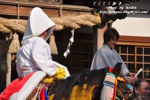 10お供馬結婚式_6208