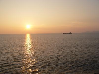 写真キャプション=佐渡高校球児を生んだ佐渡島のやさしい夕暮れ風景