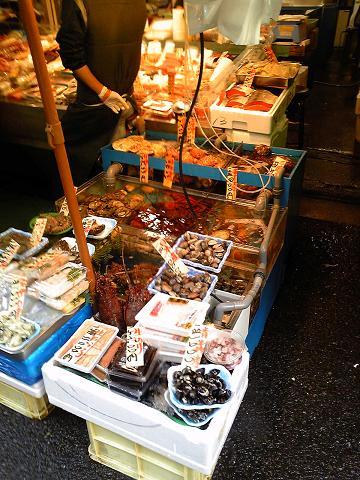 さすが築地。新鮮な魚介類がたくさん。