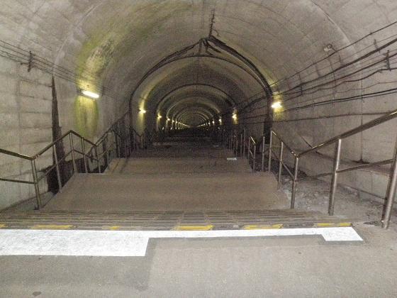 ターナシラボへの階段