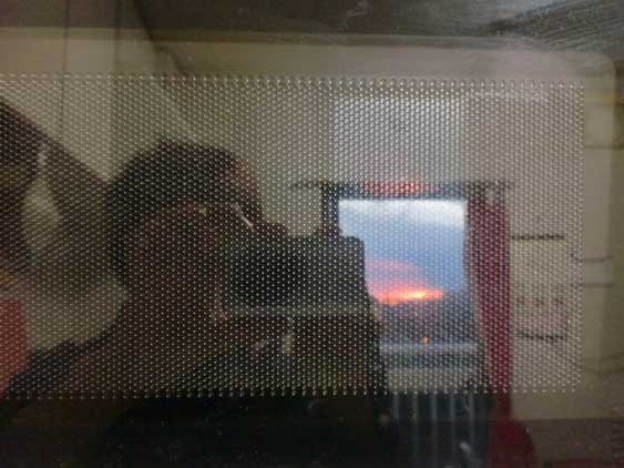 電子レンジの中の夕空