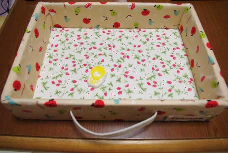 イチゴの箱で工作♪