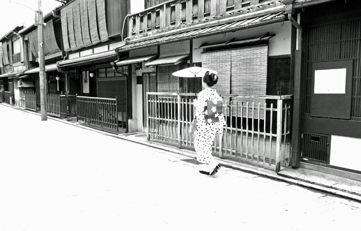 R京都モノクロ10