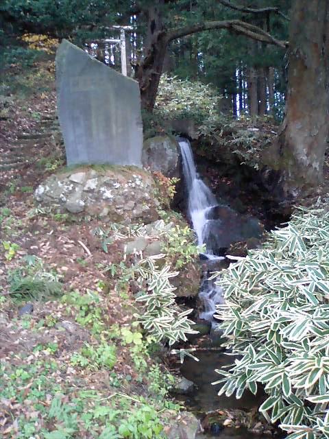 神社の小径27;諏訪神社