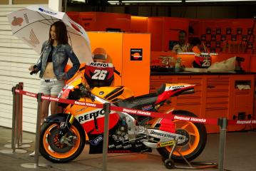 moto1010112.jpg