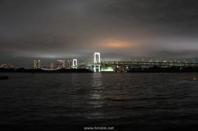 お台場から東京タワーを望む