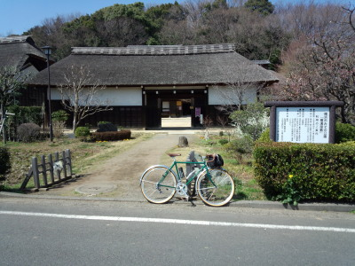 photo_randner_sisigaya_yokomizoyasikimae_2013_0316.jpg