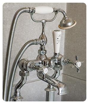 洋館のお風呂シャワー部分