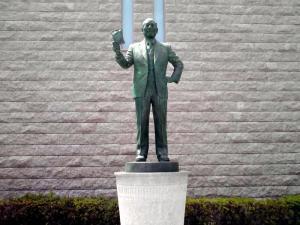 インスタントラーメン発明記念館(安藤百福さんの銅像)