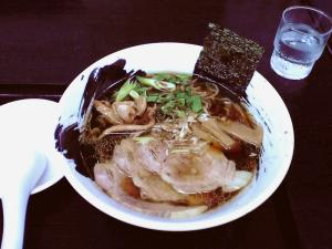 麺屋 彩々 醤油らーめん(チャーシュートッピング)