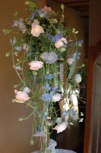 流れるような花嫁の花束