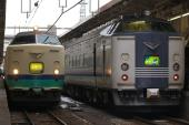 091227-JR-E485-inaho-JR-W-583-kitaguni-1.jpg