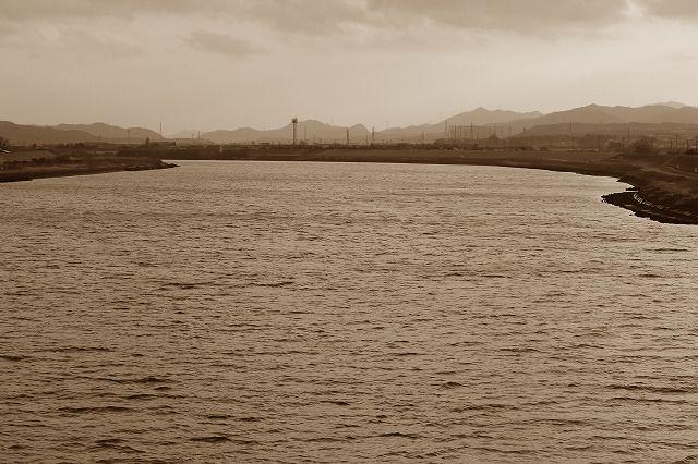 夕暮れの大野川