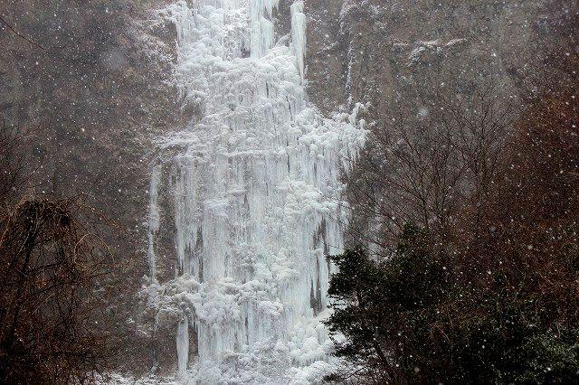 氷瀑(古閑の滝) 女滝