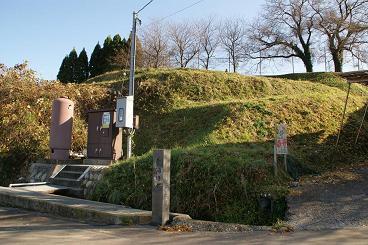 旧田上小と金浦用水碑