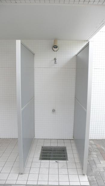 サーファーマンションならではの屋外シャワーブース完備