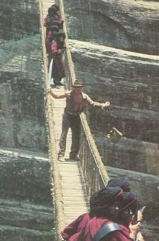 インディージョーンズ3 吊り橋