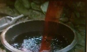 不吉な予兆 血の井戸